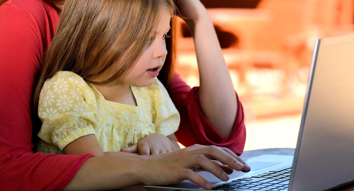 Une consommation d'écrans modérée peut-elle avoir des effets bénéfiques sur les enfants ?