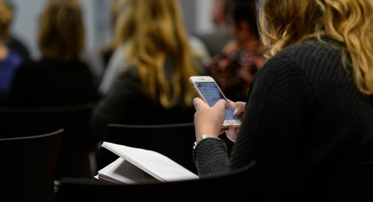L'usage excessif du smartphone, facteur d'échec scolaire ?