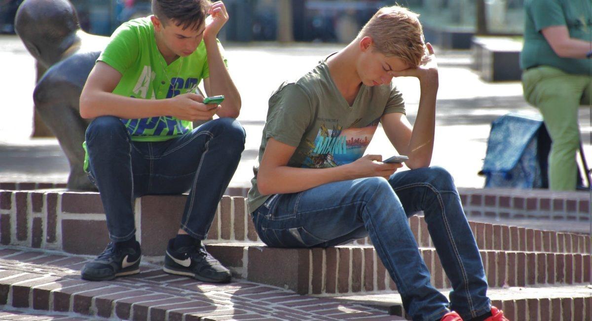 Des Français de plus en plus accrochés à leur smartphone