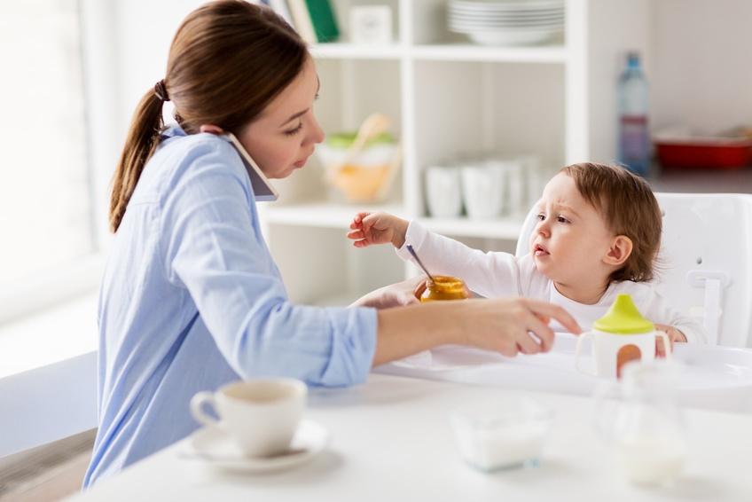 Les écrans, une menace pour la relation parent-enfant ?