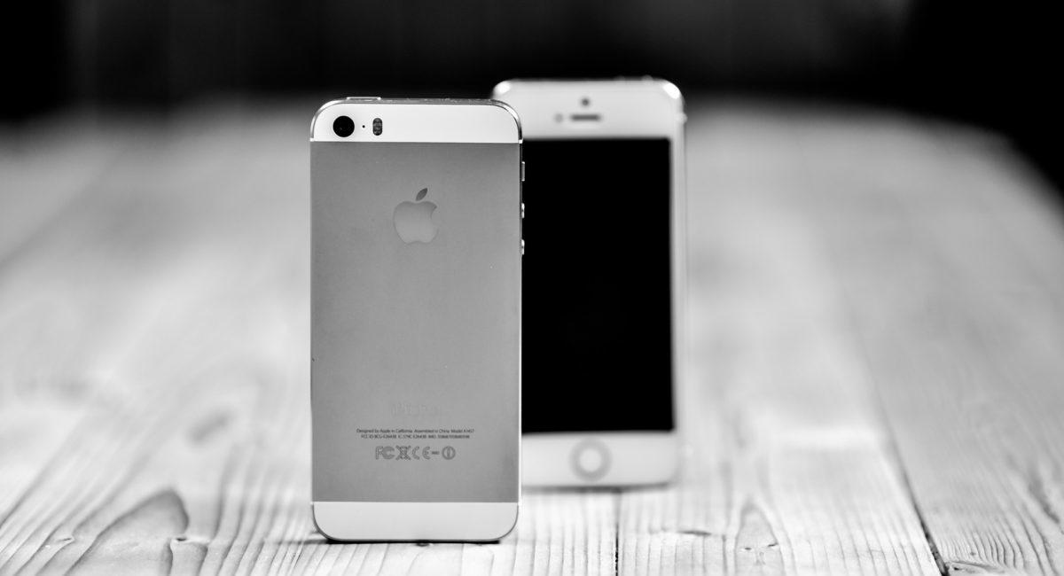 Passer l'écran de son smartphone en noir et blanc est-il un moyen de régulation efficace pour les accros au téléphone ?
