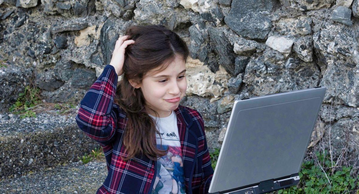 Passer plus de deux heures par jour devant les écrans nuirait aux capacités intellectuelles des enfants