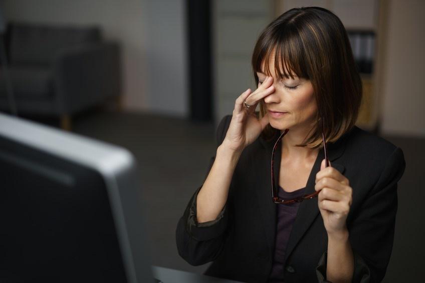 Quelles précautions les gros consommateurs d'écrans doivent-ils prendre pour préserver leurs yeux ?