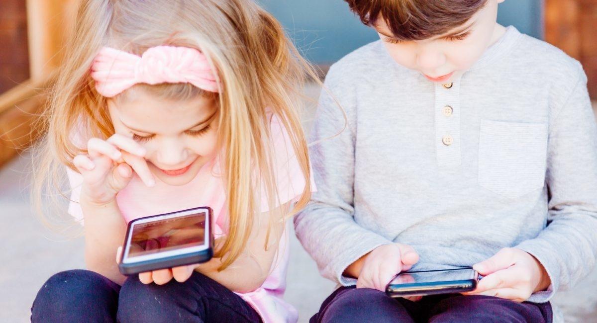 L'exposition aux écrans le matin est-elle liée aux troubles du langage chez les jeunes enfants ?
