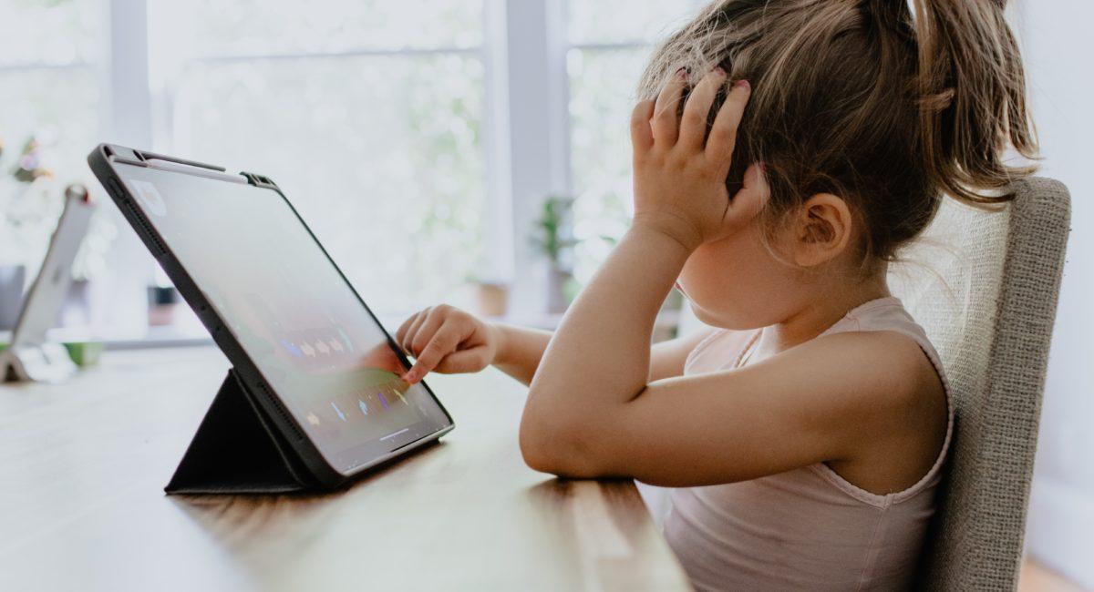 COVID-19 et enfants : comment les protéger d'un usage excessif des écrans ?