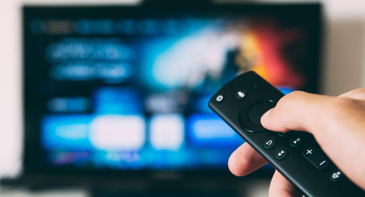 Trop de TV : un impact négatif sur nos capacités cérébrales à partir de 40 ans