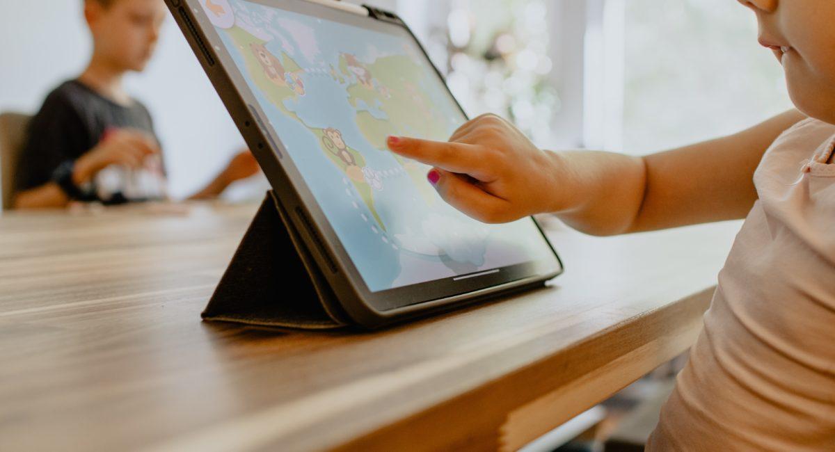 Les écrans tactiles nuisent-ils à la concentration des jeunes enfants ?